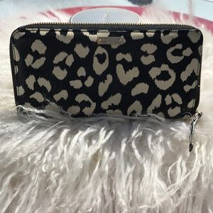 Kate Spade ♠️ amazing wallet excellent condition